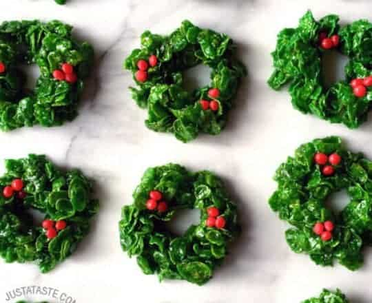 Marshmallow Christmas Wreaths Recipe on justataste.com
