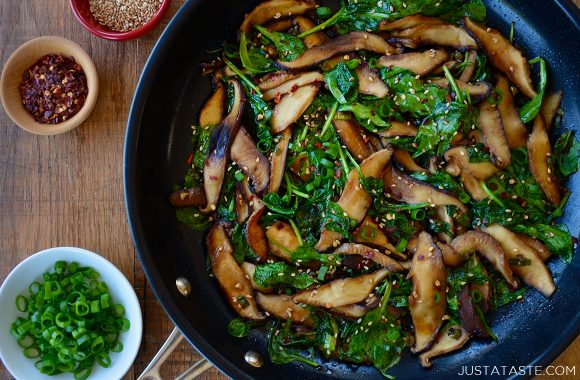 Easy sautéed mushrooms and spinach in large non-stick skillet