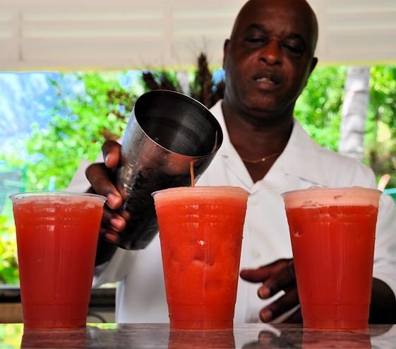 bahamas cocktail mama recipe
