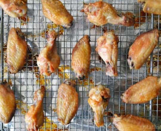 Video: Crispy Baked Chicken Wings