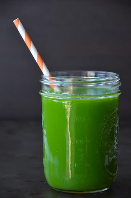 How to Make Green Juice in a Blender on justataste.com #recipe