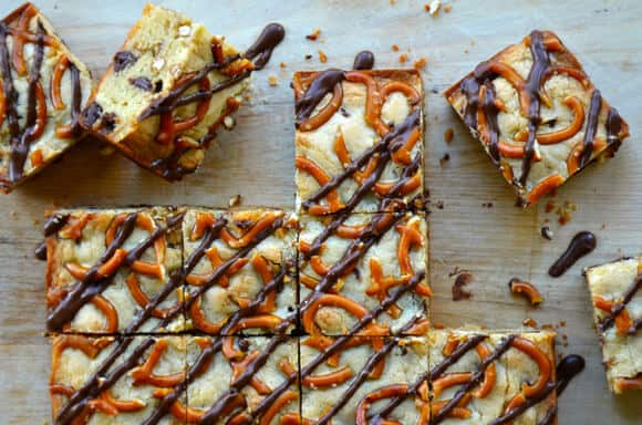 Pretzel Chocolate Chip Cookie Bars from justataste.com #recipe