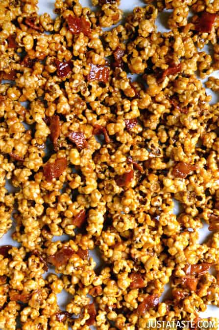 Homemade Caramel Popcorn with Bacon #recipe