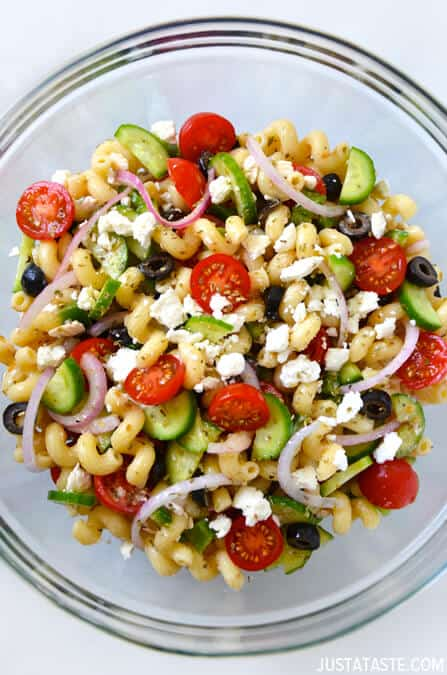 Greek Pasta Salad with Red Wine Vinaigrette #recipe