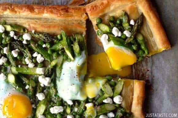 Asparagus Recipes: Asparagus and Egg Tart with Goat Cheese #recipe