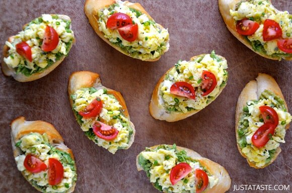 Quick and Easy Breakfast Bruschetta #recipe