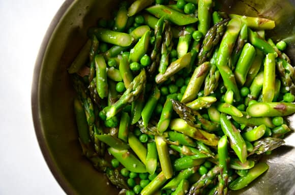 Asparagus and Egg Tart with Goat Cheese #recipe