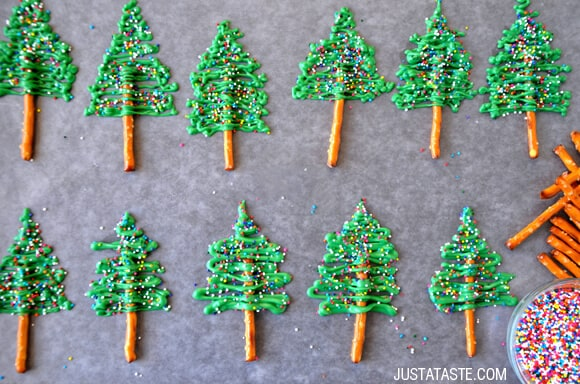 Chocolate Christmas Tree Cupcakes with Cream Cheese Frosting Recipe from justataste.com