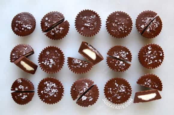 No-Bake Chocolate Cheesecake Cups recipe on justataste.com