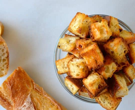 Video: Easy Homemade Croutons