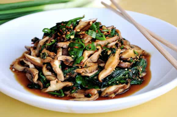 Sautéed Mushrooms with Spicy Garlic Sauce recipe on justataste.com