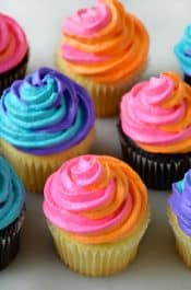How to Pipe Swirl Frosting on justataste.com