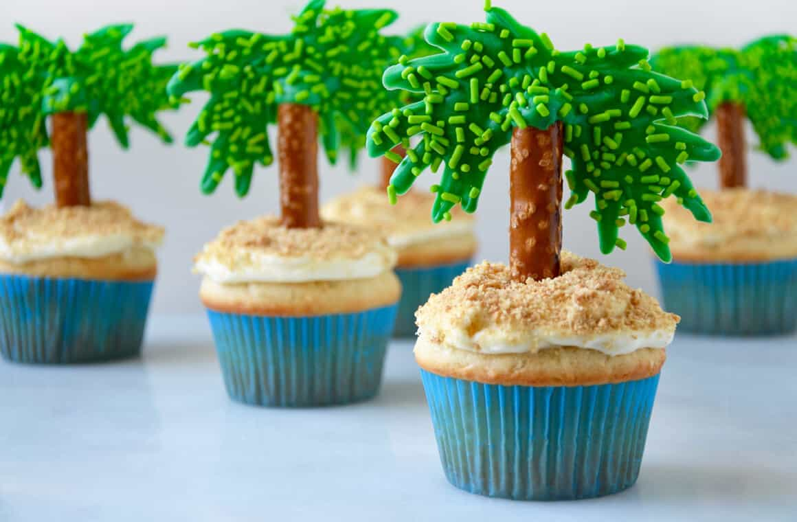Palm Tree Cupcakes Decor