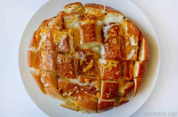 Cheesy Pull-Apart Garlic Bread recipe