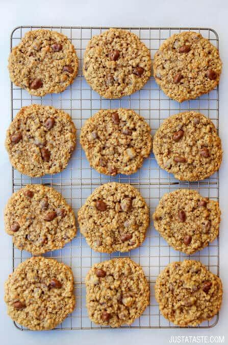 Oatmeal Chocolate-Covered Raisin Cookies Recipe