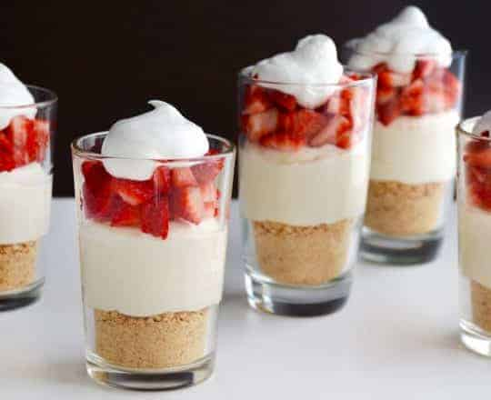 Easy No-Bake Cheesecake Parfaits