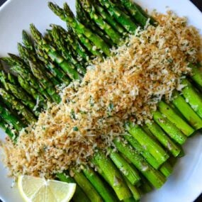 Roasted Asparagus with Cheesy Breadcrumbs