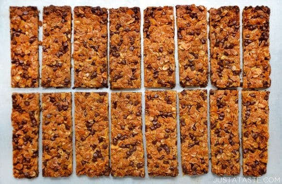 Homemade Chocolate Chip Granola Bars Recipe
