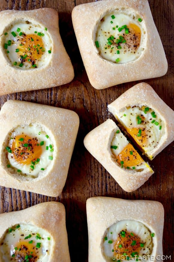 Baked Eggs in Bread Bowls Recipe