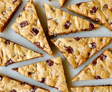 Salted Chocolate Chip Cookie Bars