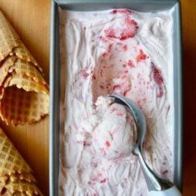 No-Churn Strawberry Ice Cream Recipe