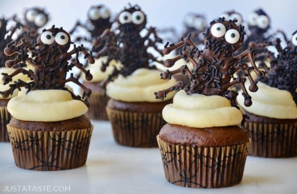 Halloween cupcakes with buttercream frosting and chocolate spiders