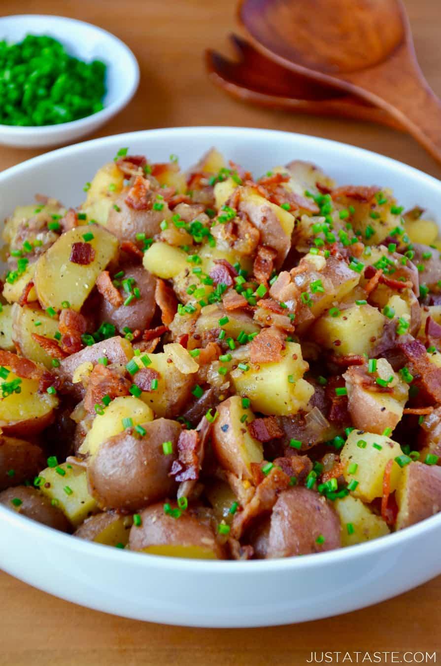 Potatoes with bacon eggs and bacon vinaigrette