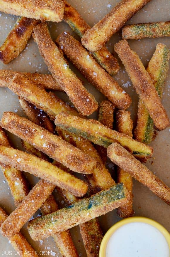 Crispy Baked Zucchini Fries with Ranch dressing for dipping