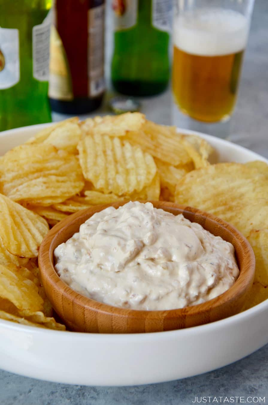 Homemade Sour Cream and Onion Dip