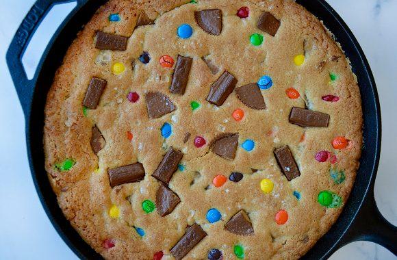 Freshly baked skillet cookie