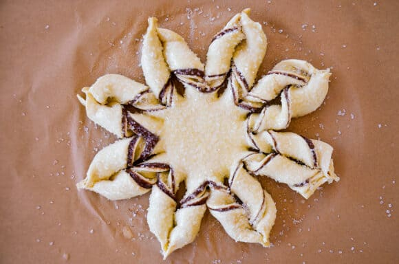 How to make a puff pastry snowflake